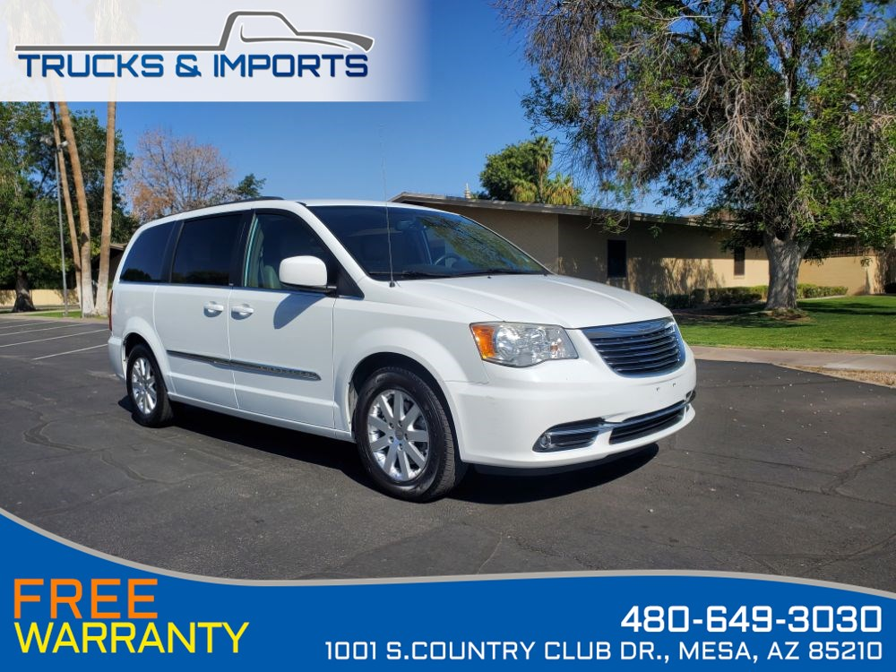 2014 Chrysler Town & Country Touring Clean CarFax shows Dealership Records!