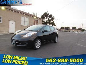 View 2013 Nissan LEAF