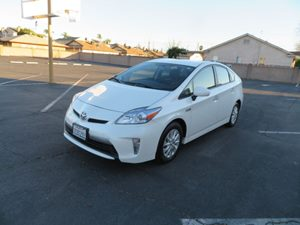 View 2014 Toyota Prius Plug-In