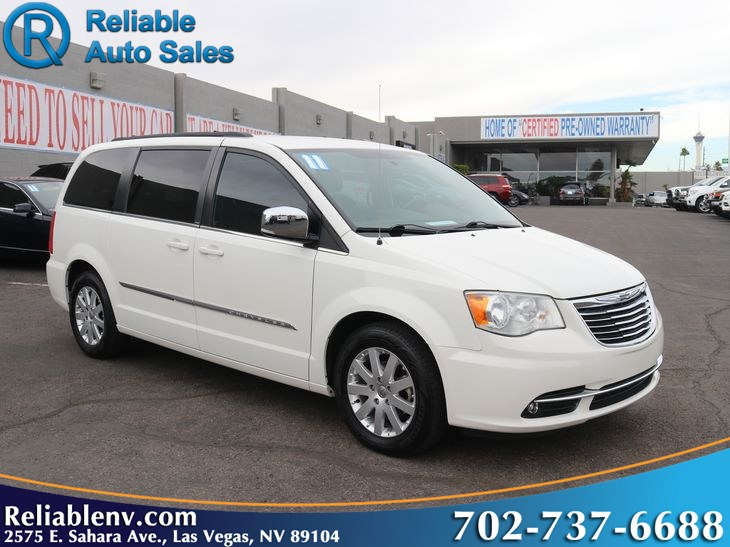 2011 Chrysler Town & Country Touring-L    W / CERT WARRANTY