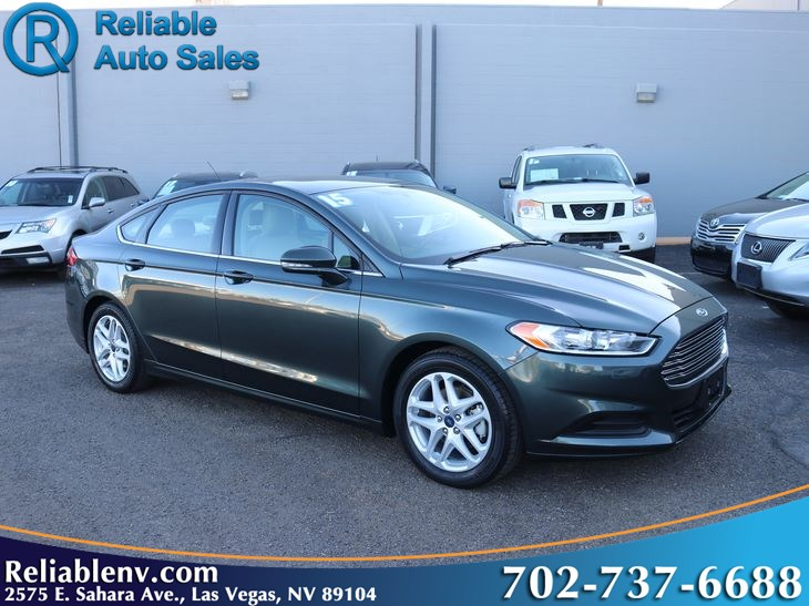 2015 Ford Fusion SE   W/ certified WARRANTY