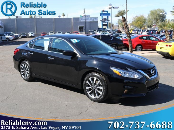 2017 Nissan Altima 2.5 SV   W/ certified WARRANTY