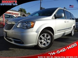 View 2012 Chrysler Town & Country