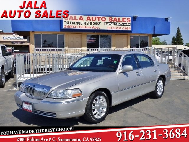 Sold 2010 Lincoln Town Car Signature Limited In Sacramento