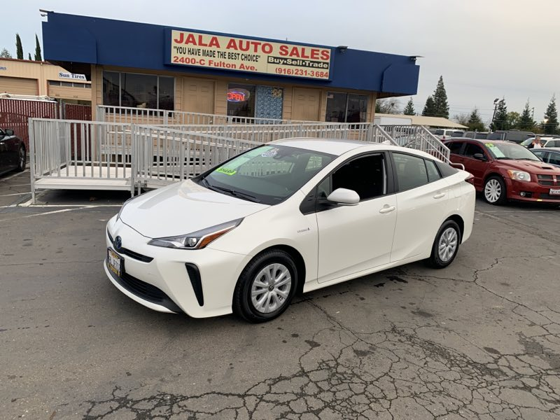 2019 Toyota Prius L Eco****LIKE NEW***ONE OWNER***JUST 9K MILES****