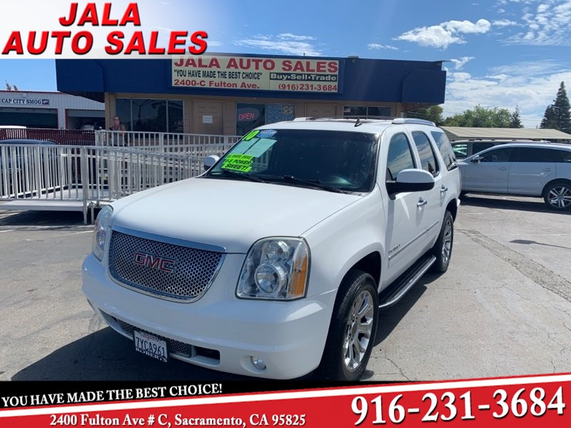2010 GMC Yukon Denali**SHARP  **LOADED***NAVY**DVD***AWD
