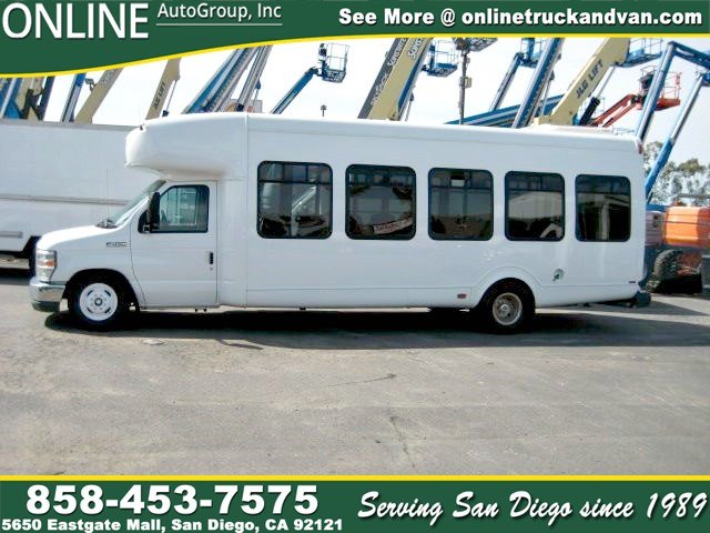 2010 Ford E-450 SUPER DUTY  18 Passenger Bus