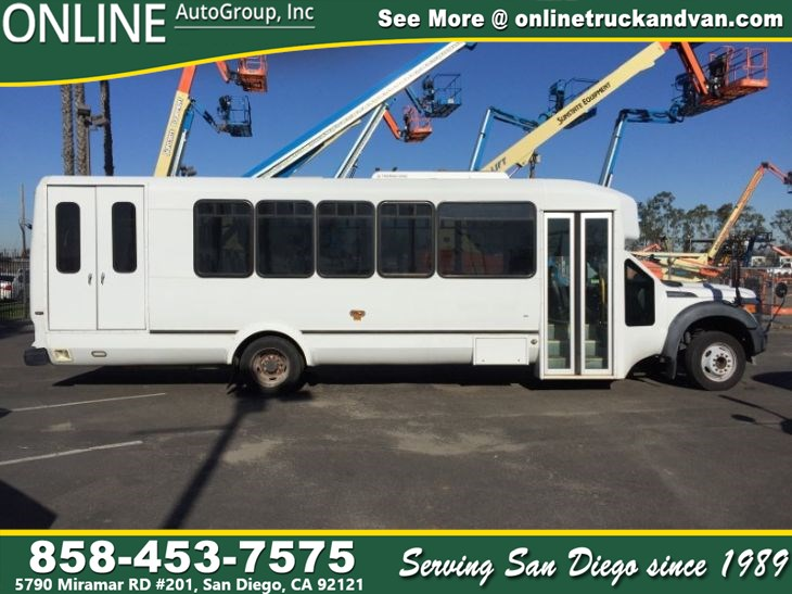 2013 Ford F-550 Super Duty 28 Passenger Bus