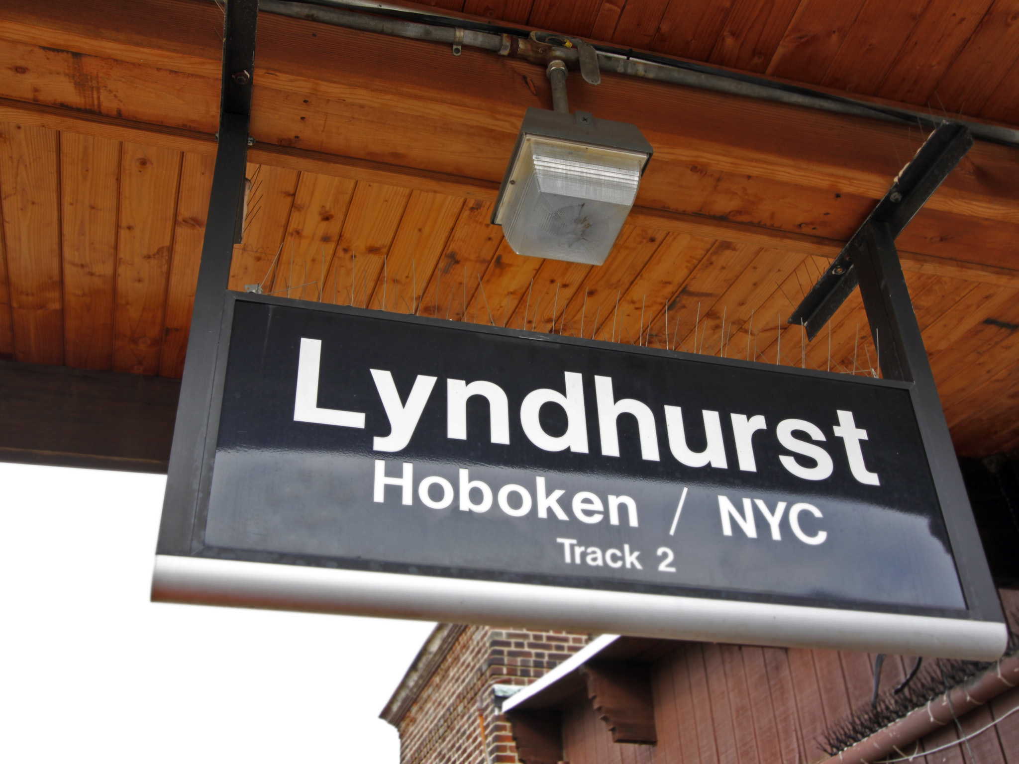 NYC Commuters/ Work or Park In Lyndhurst?