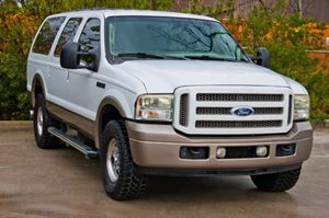 View 2005 Ford Excursion