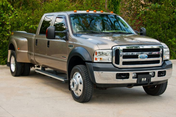 2006 Ford Super Duty F-450 DRW Lariat