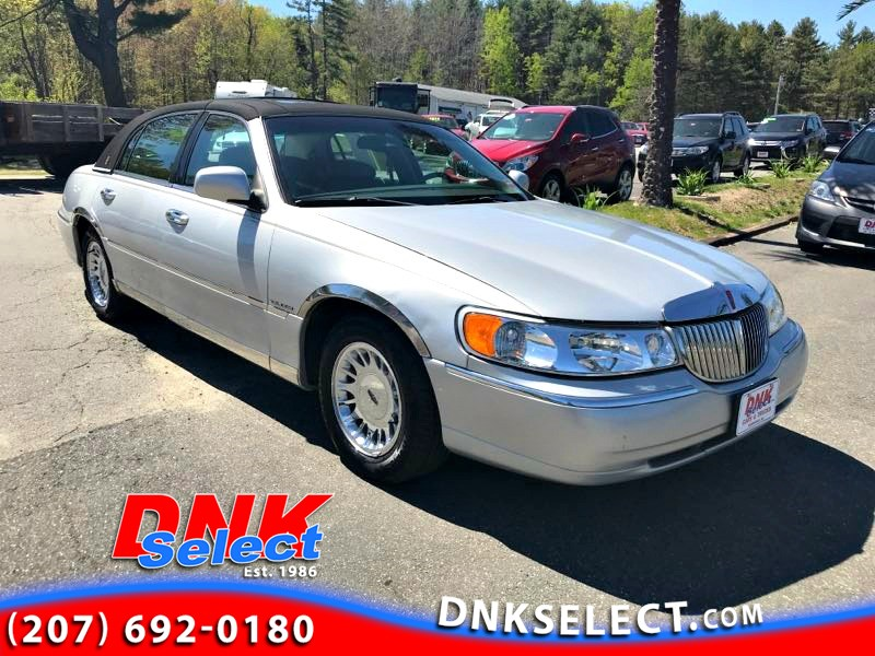Sold 1999 Lincoln Town Car Cartier In Farmingdale