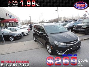 View 2017 Chrysler Pacifica