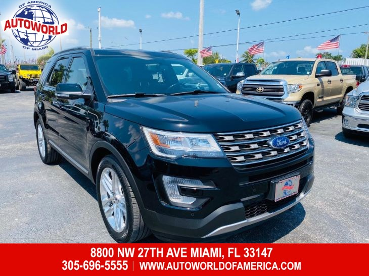 2017 Ford Explorer XLT w/ Tech Pkg