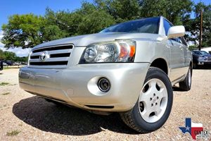View 2005 Toyota HIGHLANDER
