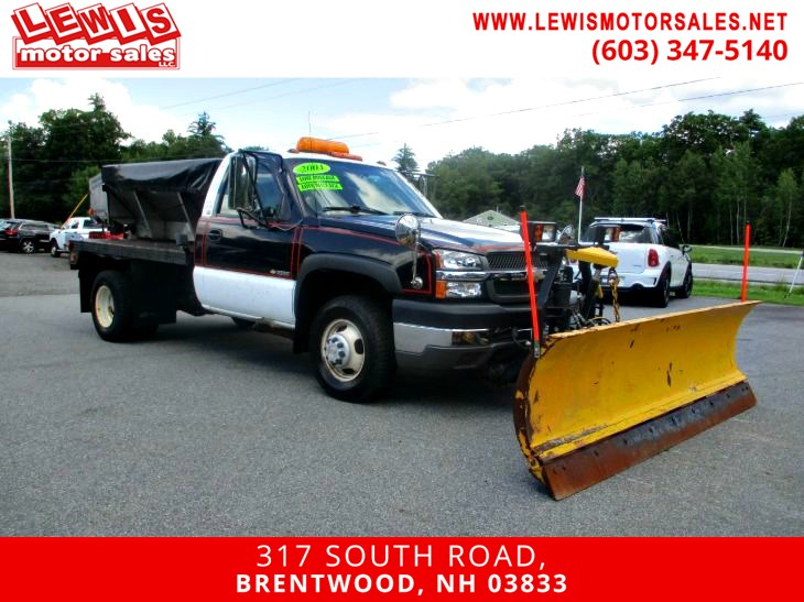 2004 Chevrolet Silverado 3500 WT 4x4 W/ Plow And Sander