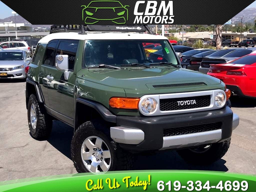 2010 Toyota FJ Cruiser 4X4 6-SPEED MANUAL W/ BACK UP CAMERA/ LUGGAGE RACK