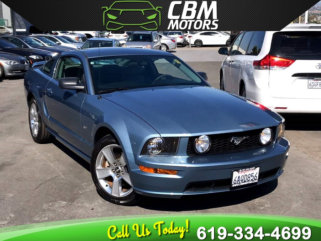 2007 Ford Mustang GT Premium 5-SPEED MANUAL W/ SUPER LOW MILES