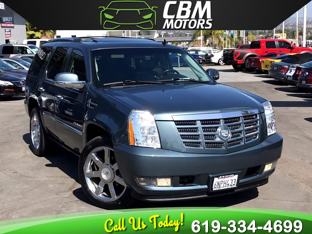 2010 Cadillac Escalade Premium 6.2L AWD W/ NAV/ MOONROOF/ DVD/ 3RD ROW