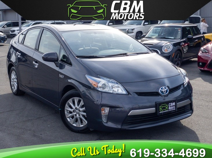 2014 Toyota Prius Plug-In W/ NAV/ BACK UP CAMERA/ BLUETOOTH