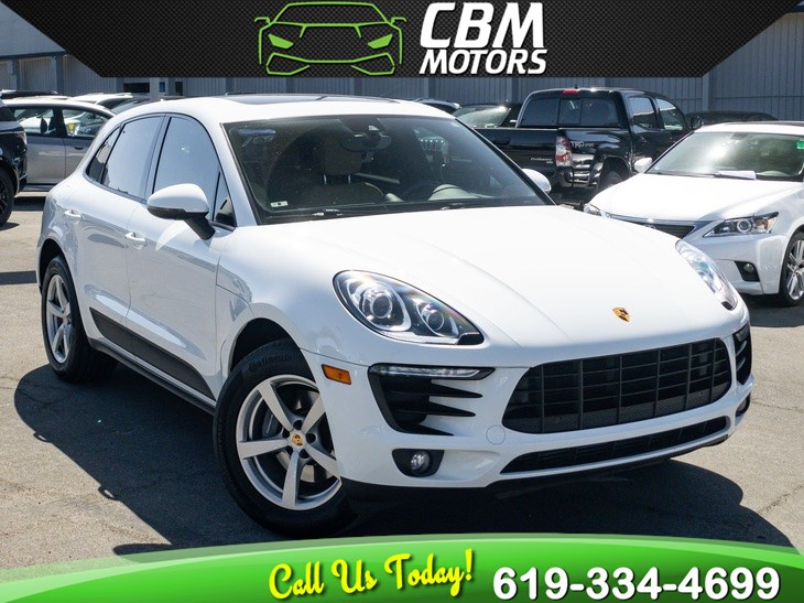 2017 Porsche Macan AWD TURBOCHARGED W/ PAN MOONROOF/ NAVIGATION