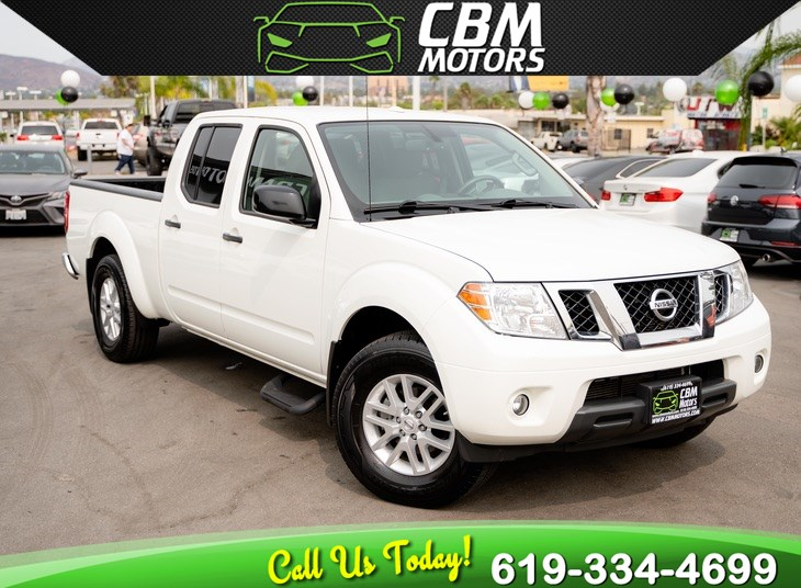 2017 Nissan Frontier SV V6 CREW CAB W/ BACK UP CAMERA/ LOW MILES