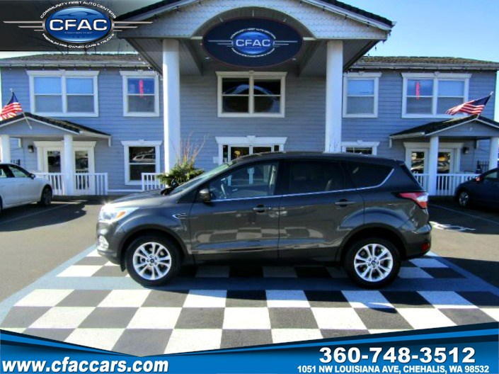 2017 Ford Escape SE FWD SUV (1 OWNER) (30 MPG)