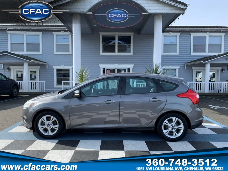 2013 Ford Focus SE Hatchback (38 MPG)