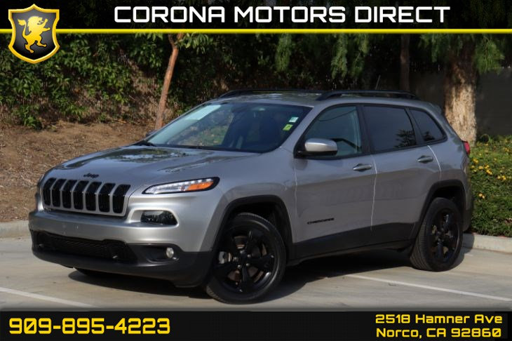 2018 Jeep Cherokee Latitude ( W/ BACK UP CAMERA & COMFORT )