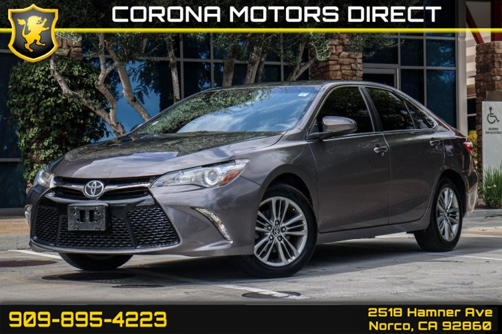 2017 Toyota Camry SE (w/ Bluetooth Connectivity & Back-up Camera)