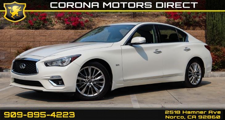2018 INFINITI Q50 3.0t LUXE  (w/ Bluetooth & Back-up Camera)