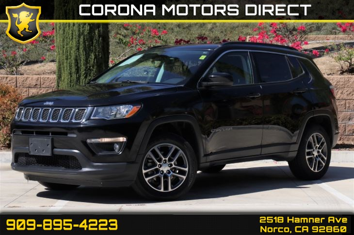 2017 Jeep Compass Latitude (W/ Back-up Camera & Bluetooth)