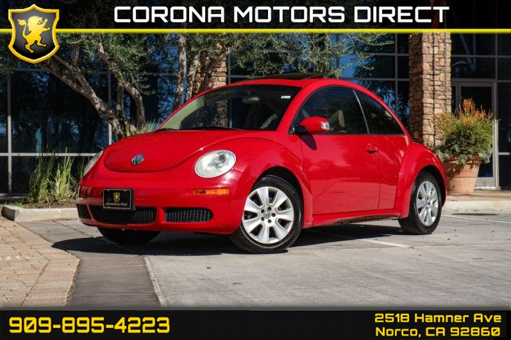 2008 Volkswagen New Beetle Coupe S w/ Sunroof & Heated Front Seats