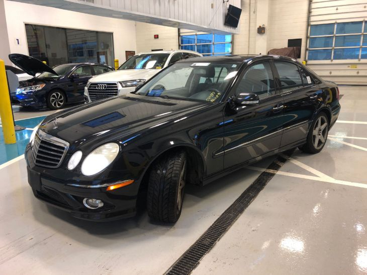 2009 Mercedes-Benz E350 4MATIC Luxury Sedan