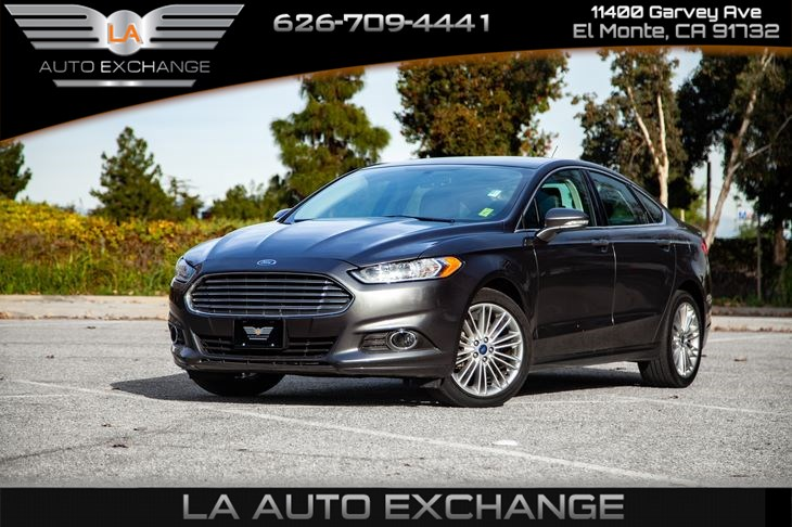 2016 Ford Fusion SE (Gas Saver & Low Miles)