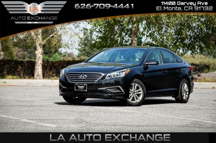 2016 Hyundai Sonata 2.4L SE (Backup Camera & Mp3)