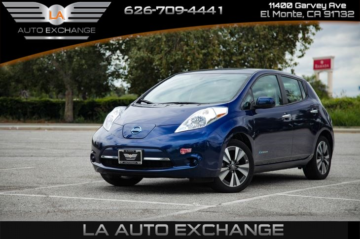 2017 Nissan LEAF SV (Backup Camera & Keyless Start)