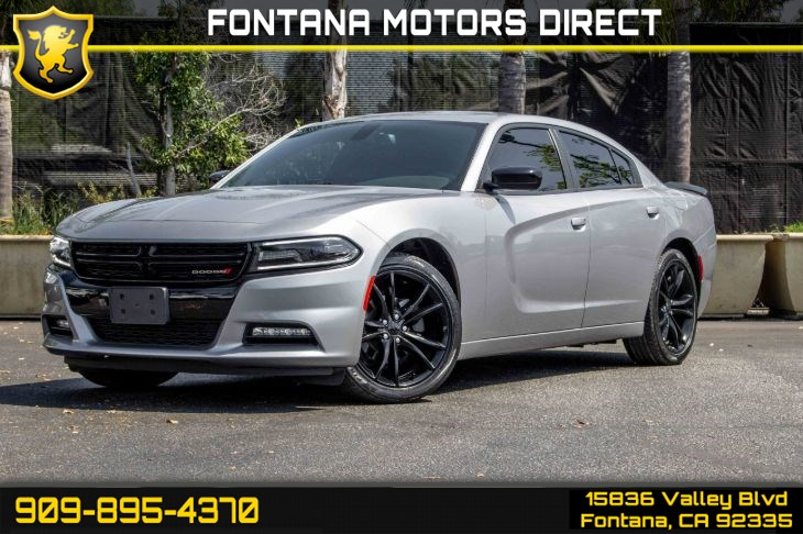 2016 Dodge Charger SXT (Blacktop Package)