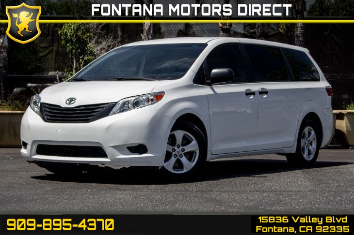 2016 Toyota Sienna L 7-Passenger (Back-Up Camera)