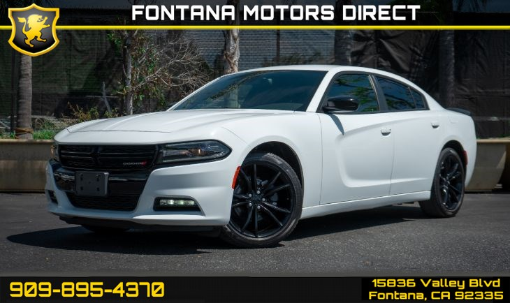 2016 Dodge Charger SXT (Blacktop Package & Navigation)