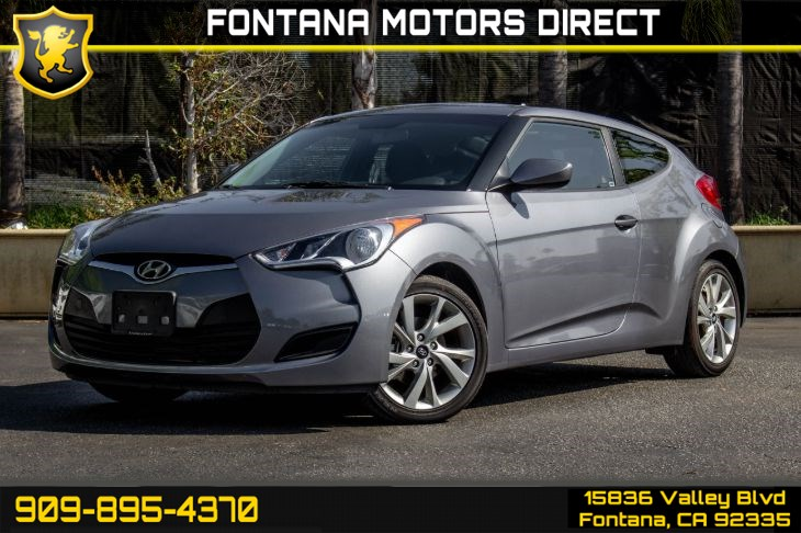 2016 Hyundai Veloster Base (Back-up Camera & Bluetooth Connection)