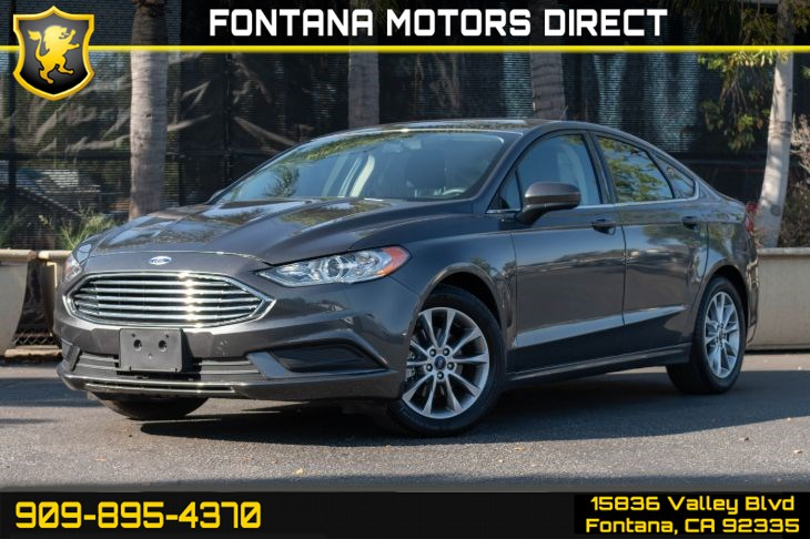 2017 Ford Fusion SE (Technology Package & Back-up Camera)