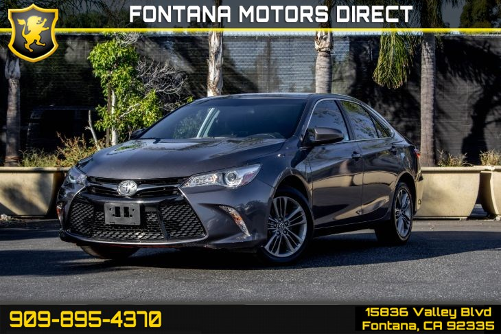 2016 Toyota Camry SE (Back-Up Camera & Bluetooth Connection)