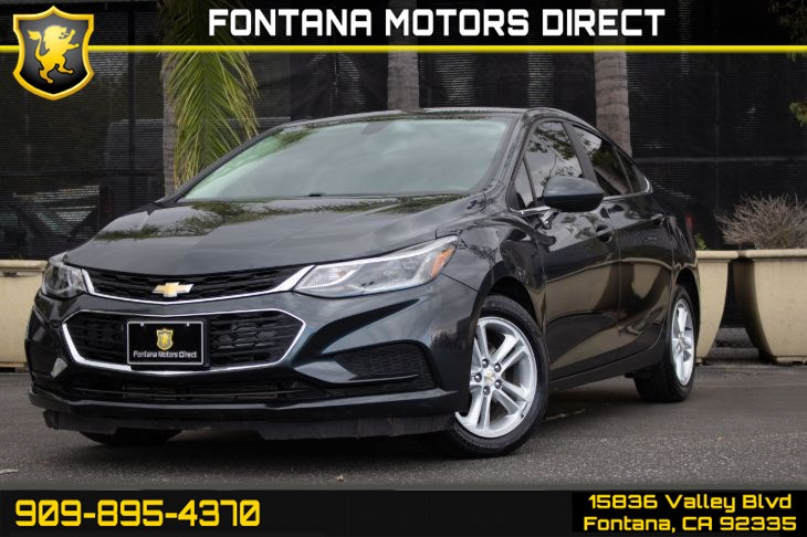 2017 Chevrolet Cruze LT (Apple CarPlay &  Back-Up Camera)
