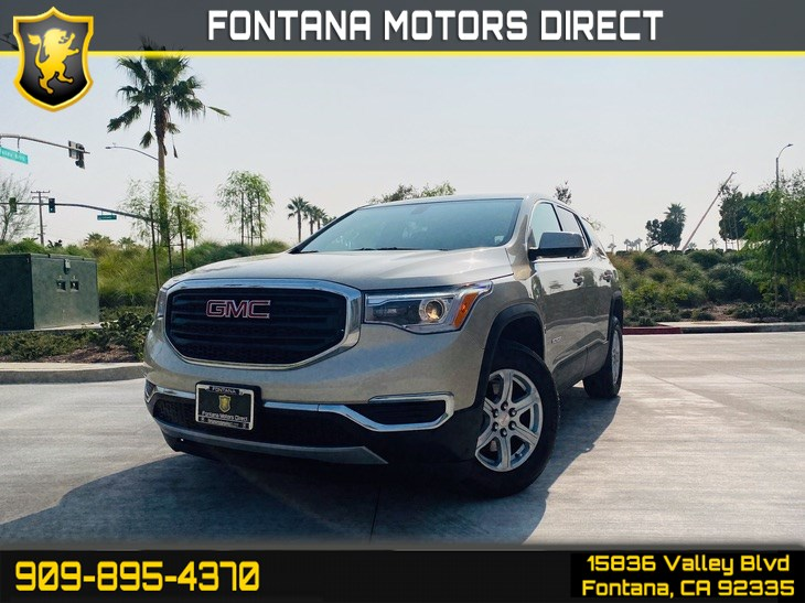 2017 GMC Acadia SLE (Rearview Camera & 3rd Row Seats)