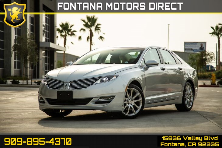 "2014 Lincoln MKZ (Navigation & Moonroof & 19"" Alloy Wheels)"