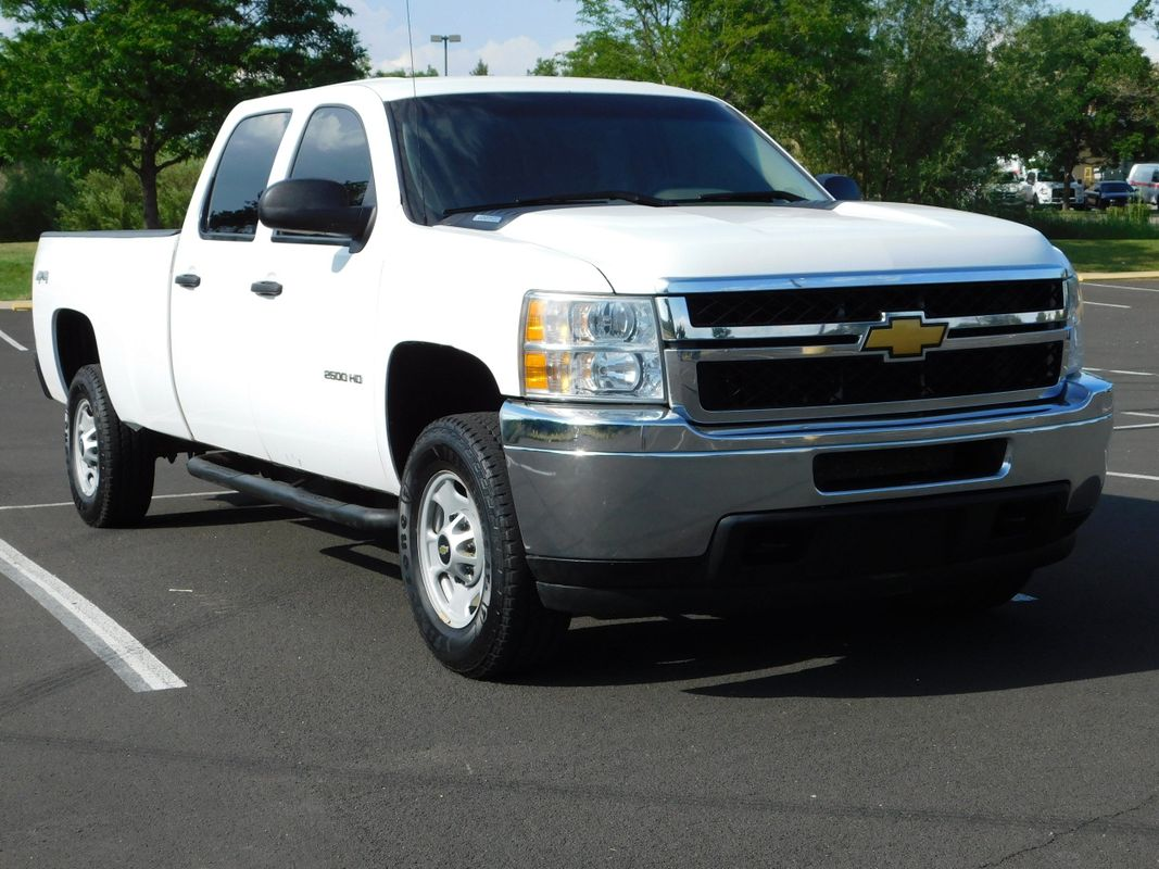 2014 Chevrolet Silverado 2500HD Crew Cab Long Bed 4X4 6.0 V8