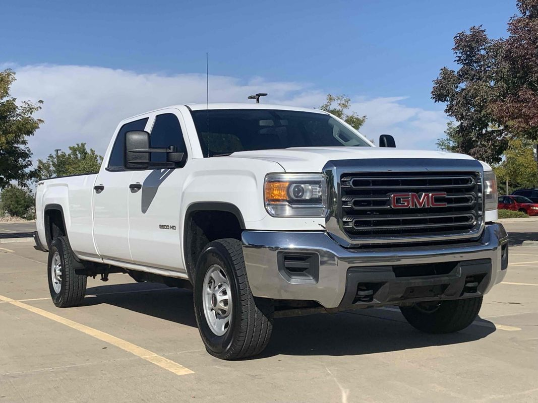 2015 GMC Sierra 2500HD Crew Cab Long Bed 4x4 6.0L V8