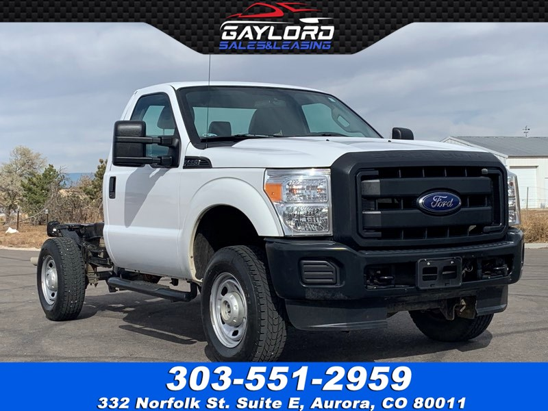 2015 Ford Super Duty F-350 SRW Regular Cab and Chassis XL 4X4 6.2L V8