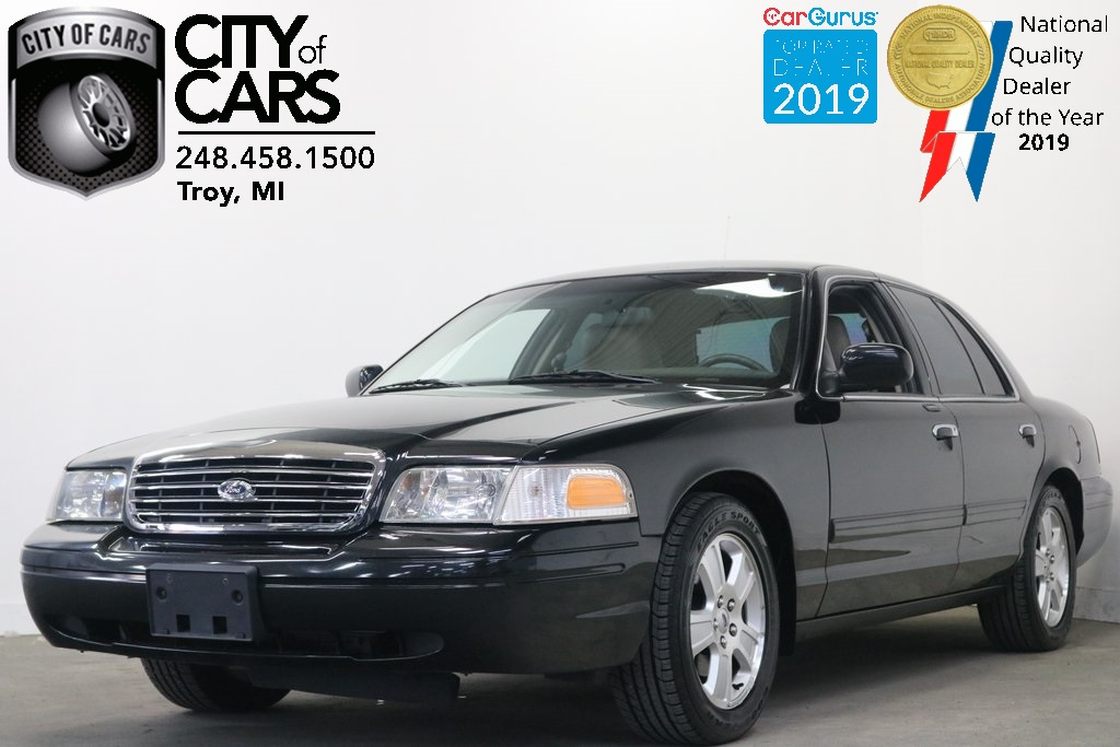 2011 Ford Crown Victoria LX - City of Cars